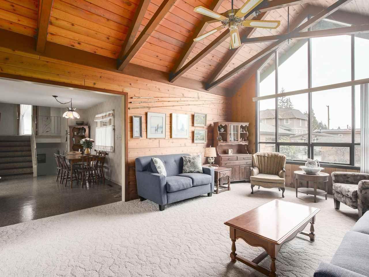 Photo 3: Photos: 1320 REGAN Avenue in Coquitlam: Central Coquitlam House for sale : MLS®# R2147096