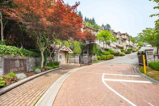 "Photo 2: 3 2979 PANORAMA Drive in Coquitlam: Westwood Plateau Townhouse for sale in ""Deercrest"" : MLS®# R2317801"