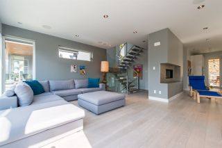 Photo 3: 41120 ROCKRIDGE Place in Squamish: Tantalus House for sale : MLS®# R2164124