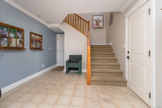 Photo 5: 2289 Nicki Pl in : La Thetis Heights House for sale (Langford)  : MLS®# 885701