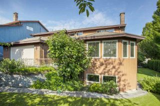 Photo 3: 1248 PHILLIPS Avenue in Burnaby: Simon Fraser Univer. House for sale (Burnaby North)  : MLS®# R2474402