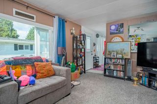 """Photo 5: 160 7790 KING GEORGE Boulevard in Surrey: East Newton Manufactured Home for sale in """"Crispen Bays"""" : MLS®# R2593825"""
