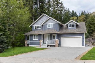 """Photo 1: 38648 CHERRY Drive in Squamish: Valleycliffe House for sale in """"Raven's Plateau"""" : MLS®# R2205403"""