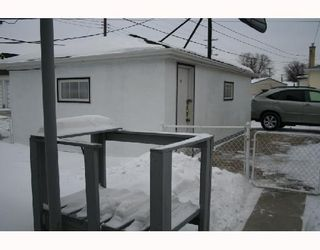 Photo 3: 791 MCPHILLIPS Street in WINNIPEG: North End Residential for sale (North West Winnipeg)  : MLS®# 2801375
