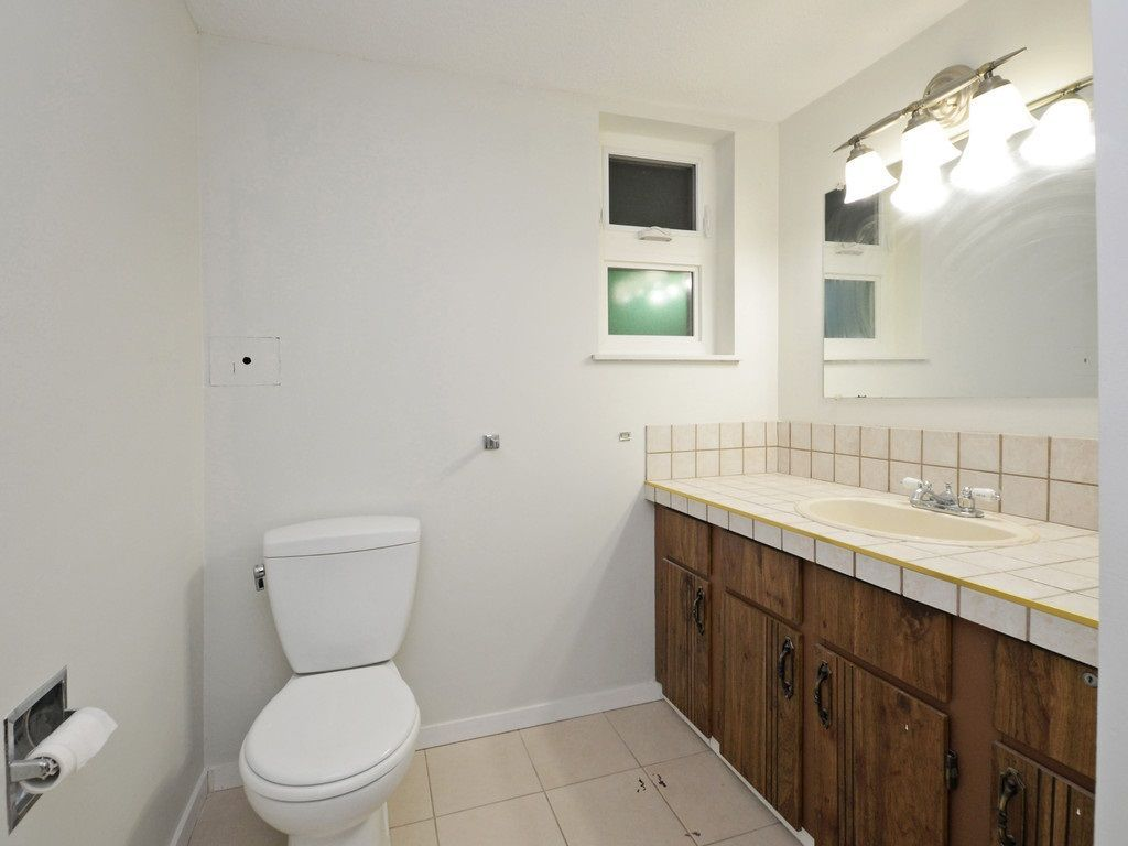 Photo 16: Photos: 3247 SAMUELS Court in Coquitlam: New Horizons House for sale : MLS®# R2219617