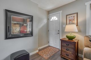 Photo 2: 6364 32 Avenue NW in Calgary: Bowness Detached for sale : MLS®# C4301568