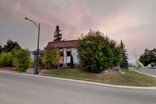 Photo 11: 23 CORNWALLIS Drive NW in Calgary: Cambrian Heights House for sale : MLS®# C4136794
