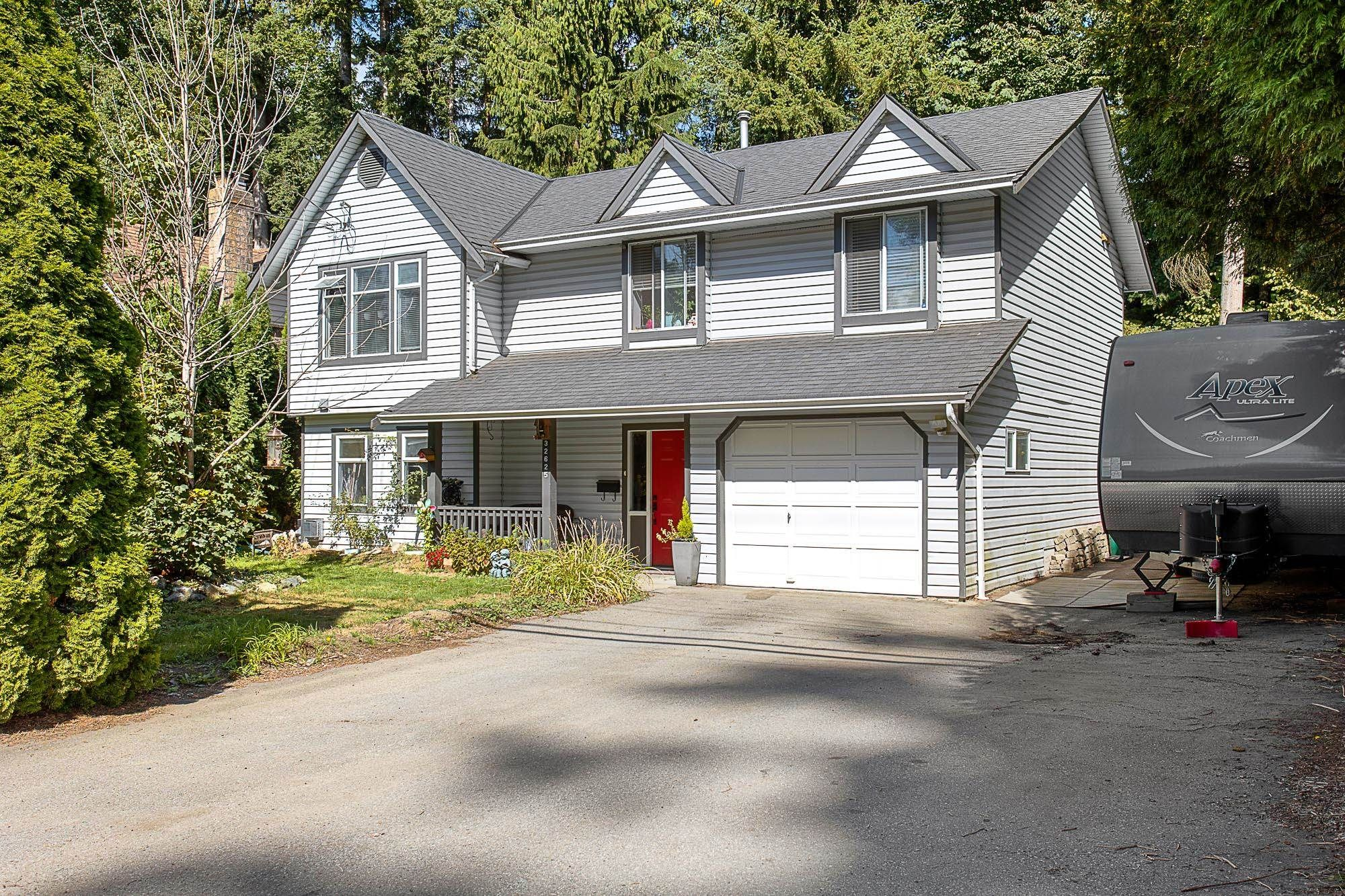 Main Photo: 32625 14 Avenue in Mission: Mission BC House for sale : MLS®# R2616067