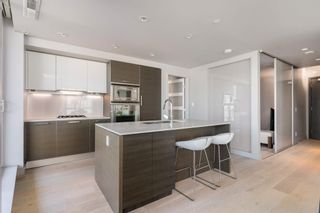 """Photo 10: 601 1499 W PENDER Street in Vancouver: Coal Harbour Condo for sale in """"WEST PENDER PLACE"""" (Vancouver West)  : MLS®# R2605894"""