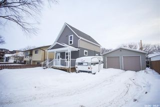 Photo 2: 620 J Avenue South in Saskatoon: King George Residential for sale : MLS®# SK841240