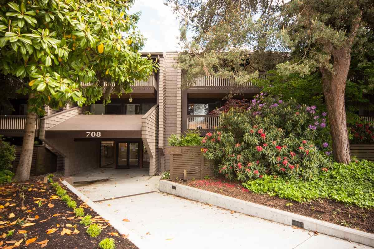 """Main Photo: 211 708 EIGHTH Avenue in New Westminster: Uptown NW Condo for sale in """"Villa Franciscan"""" : MLS®# R2399414"""