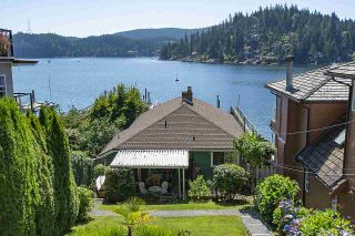 Photo 2: 2582 PANORAMA Drive in North Vancouver: Deep Cove House for sale : MLS®# R2477982