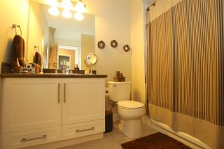 "Photo 14: 401 2468 ATKINS Avenue in Port Coquitlam: Central Pt Coquitlam Condo for sale in ""THE BORDEAUX"" : MLS®# R2000913"