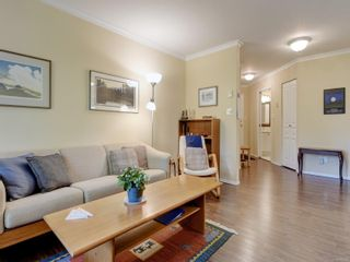 Photo 3: 403 490 Marsett Pl in : SW Royal Oak Condo for sale (Saanich West)  : MLS®# 885208