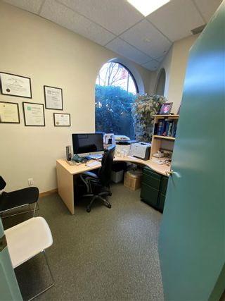 Photo 2: 4313 GALLANT Avenue in North Vancouver: Deep Cove Office for sale : MLS®# C8036729