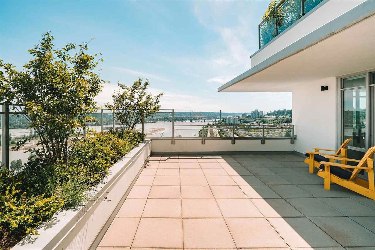 """Main Photo: 2401 258 NELSON'S Court in New Westminster: Sapperton Condo for sale in """"The Columbia"""" : MLS®# R2590104"""