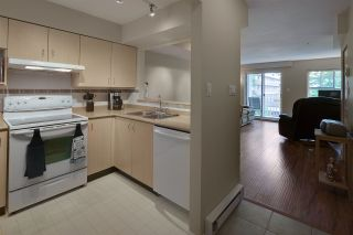 """Photo 8: 19 123 SEVENTH Street in New Westminster: Uptown NW Townhouse for sale in """"ROYAL CITY TERRACE"""" : MLS®# R2077015"""
