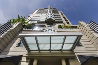 """Photo 20: 1005 160 E 13TH Street in North Vancouver: Central Lonsdale Condo for sale in """"The Grande"""" : MLS®# R2266031"""