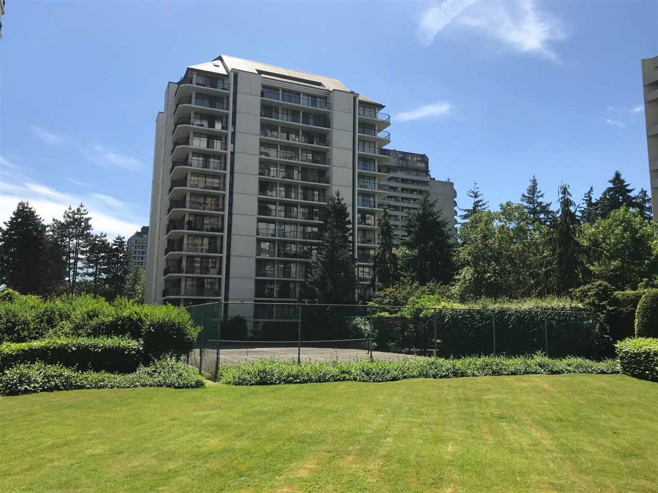 """Main Photo: 1007 4165 MAYWOOD Street in Burnaby: Metrotown Condo for sale in """"PLACE ON THE PARK"""" (Burnaby South)  : MLS®# R2182230"""