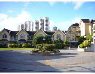 Photo 1: 113 25 RICHMOND Street in New_Westminster: Fraserview NW Condo for sale (New Westminster)  : MLS®# V755210
