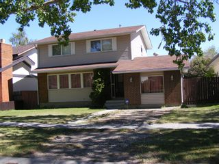 Main Photo: 1324 Norfolk Drive NW in Calgary: North Haven Upper Detached for sale : MLS®# A1139776