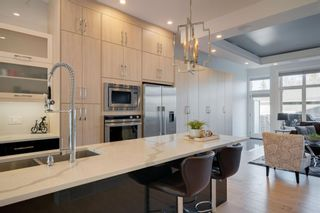 Photo 7: 2507 16A Street NW in Calgary: Capitol Hill Detached for sale : MLS®# A1082753