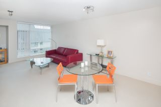 """Photo 6: 405 6018 IONA Drive in Vancouver: University VW Condo for sale in """"Argyll House West"""" (Vancouver West)  : MLS®# R2178903"""