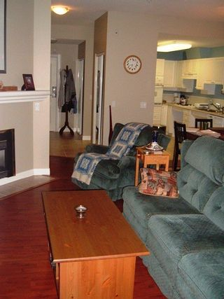 Photo 4: 103 20237 54th Ave in Langley: Home for sale