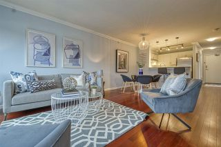 """Photo 7: 404 2161 W 12TH Avenue in Vancouver: Kitsilano Condo for sale in """"THE CARLINGS"""" (Vancouver West)  : MLS®# R2502485"""