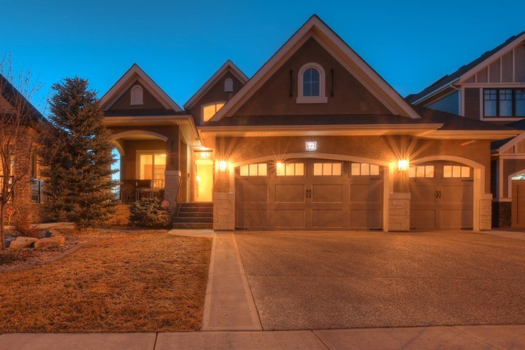 Main Photo: 72 ELGIN ESTATES View SE in Calgary: McKenzie Towne Detached for sale : MLS®# A1081360