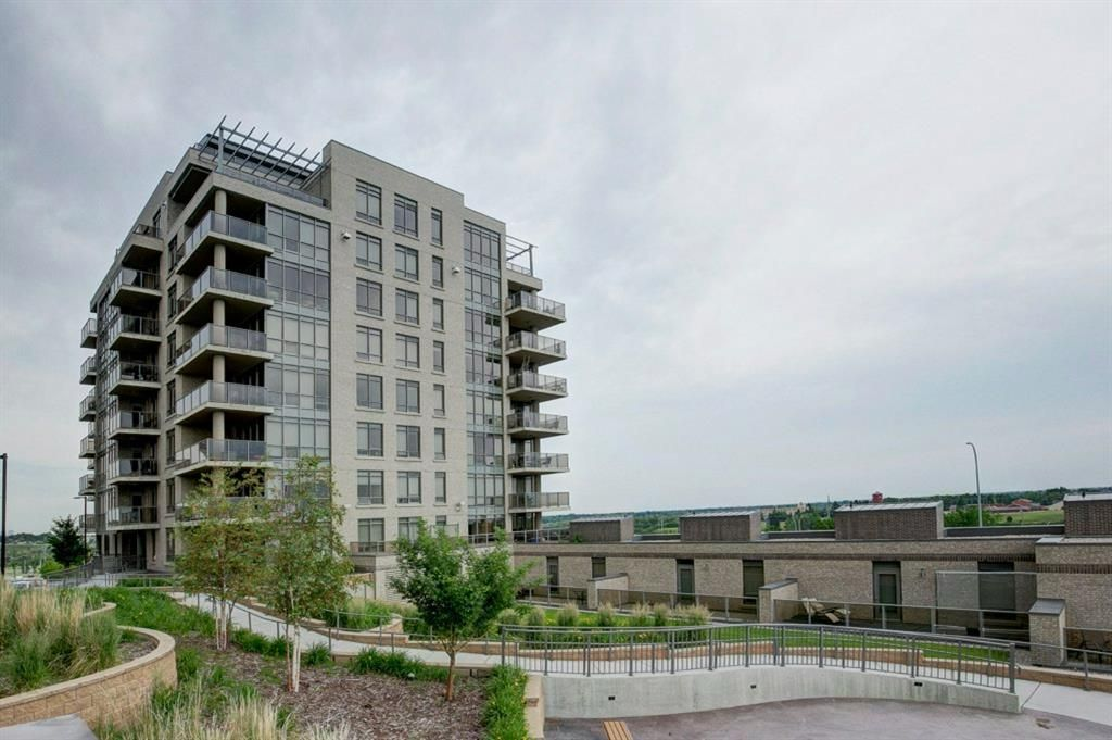 Main Photo: 402 10 Shawnee Hill SW in Calgary: Shawnee Slopes Apartment for sale : MLS®# A1128557