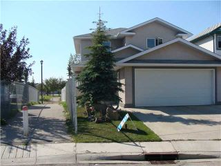 Photo 2: 152 APPLEMONT Close SE in CALGARY: Applewood Residential Detached Single Family for sale (Calgary)  : MLS®# C3453310