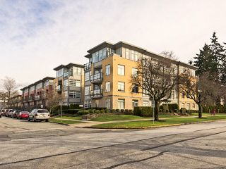 """Photo 4: 104 5692 KINGS Road in Vancouver: University VW Condo for sale in """"O'Keefe"""" (Vancouver West)  : MLS®# V1049459"""