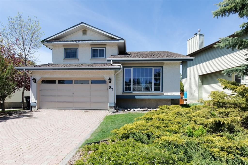 Main Photo: 87 Hawkford Crescent NW in Calgary: Hawkwood Detached for sale : MLS®# A1114162