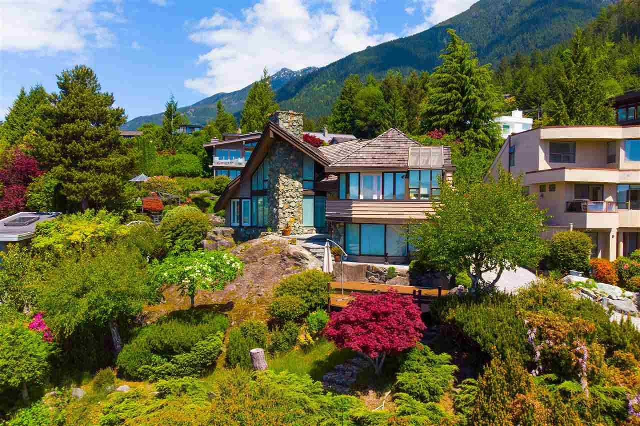 Main Photo: 90 TIDEWATER Way: Lions Bay House for sale (West Vancouver)  : MLS®# R2584020