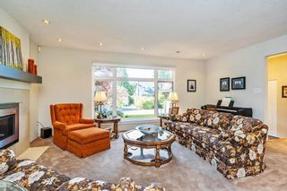 """Photo 3: 16143 12A Avenue in Surrey: King George Corridor House for sale in """"South Meridian"""" (South Surrey White Rock)  : MLS®# R2578905"""