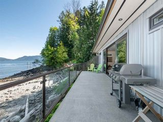 "Photo 19: 1512 TIDEVIEW Road in Gibsons: Gibsons & Area House for sale in ""LANGDALE"" (Sunshine Coast)  : MLS®# R2535465"