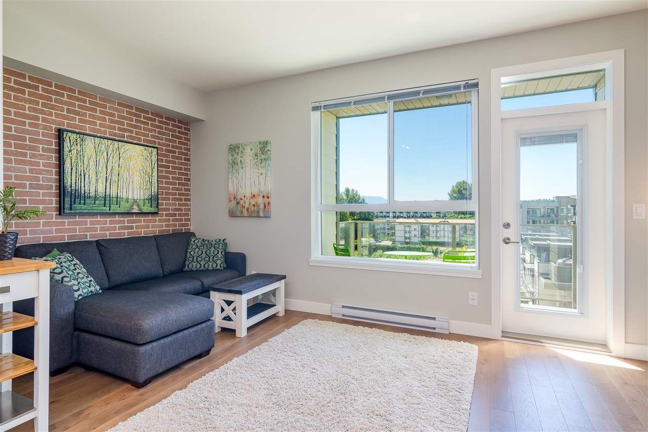 "Photo 12: Photos: 515 3080 GLADWIN Road in Abbotsford: Central Abbotsford Condo for sale in ""HUDSON'S  LOFT"" : MLS®# R2480675"