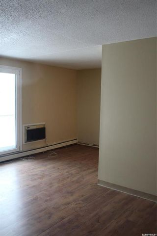 Photo 3: 24 23 CENTENNIAL Street in Regina: Hillsdale Residential for sale : MLS®# SK839095