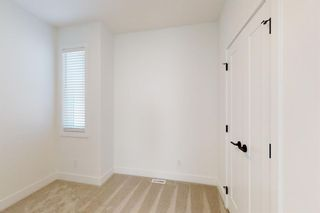 Photo 22: 2422 53 Avenue SW in Calgary: North Glenmore Park Detached for sale : MLS®# A1142924