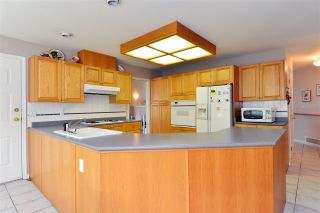 """Photo 9: 13669 58 Avenue in Surrey: Panorama Ridge House for sale in """"Panorama"""" : MLS®# R2073217"""