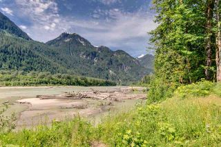 Photo 4: 1120 DOGHAVEN LANE in Squamish: Upper Squamish House for sale : MLS®# R2077411