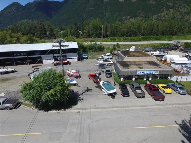 Main Photo: 202 Finlayson Street, in Sicamous: Business for sale : MLS®# 10197121