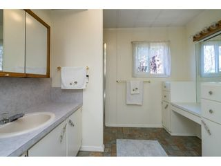 """Photo 27: 1 27111 0 Avenue in Langley: Aldergrove Langley Manufactured Home for sale in """"Pioneer Park"""" : MLS®# R2605762"""