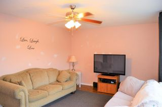 Photo 3: 122 Clancy Drive in Saskatoon: Fairhaven Residential for sale : MLS®# SK873839