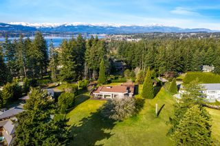 Photo 1: 104 Sandcliff Dr in : CV Comox Peninsula House for sale (Comox Valley)  : MLS®# 868998