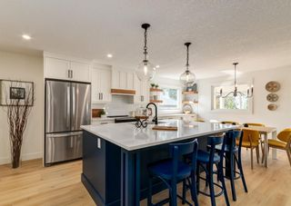 Photo 3: 6207 84 Street NW in Calgary: Silver Springs Detached for sale : MLS®# A1147522
