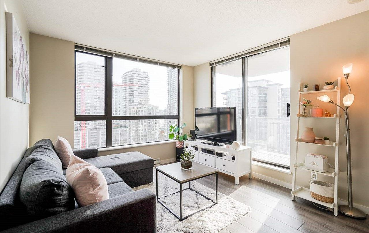 Main Photo: 404 814 ROYAL AVENUE in New Westminster: Downtown NW Condo for sale : MLS®# R2551728