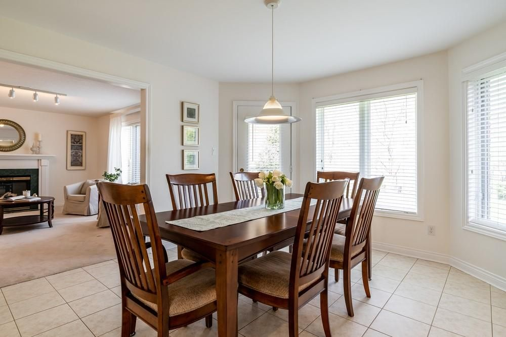 Photo 10: Photos: 1105 Westhaven Drive in Burlington: Residential for sale : MLS®# H4105053