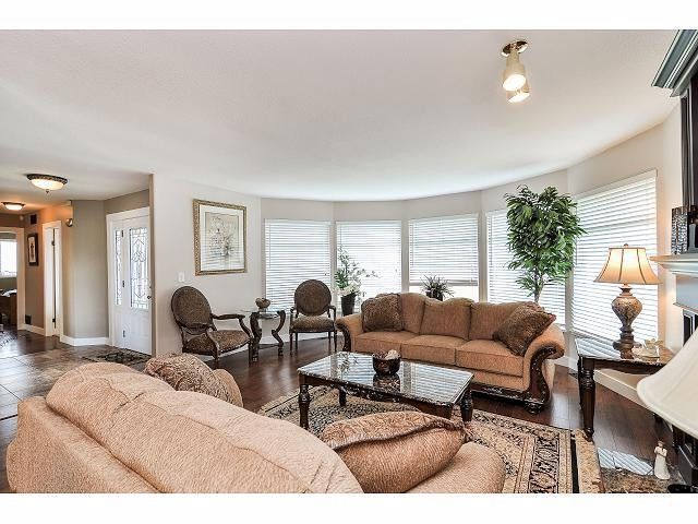"Photo 3: Photos: 8896 159A Street in Surrey: Fleetwood Tynehead House for sale in ""FLEETWOOD"" : MLS®# F1410256"